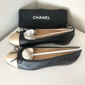 Chanel black leather silver CC toe ballerina flats